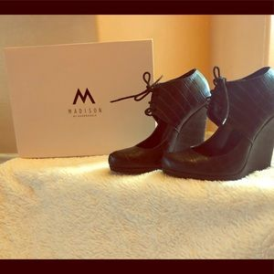Shoe Dazzle- Madison wedges (Great for fall)